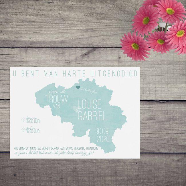 Trouwkaart Landkaart België is typografisch ontwerp waarbij een deel van de tekst op de Belgische kaart is geplaatst. Gebruikte kleur is aqua.