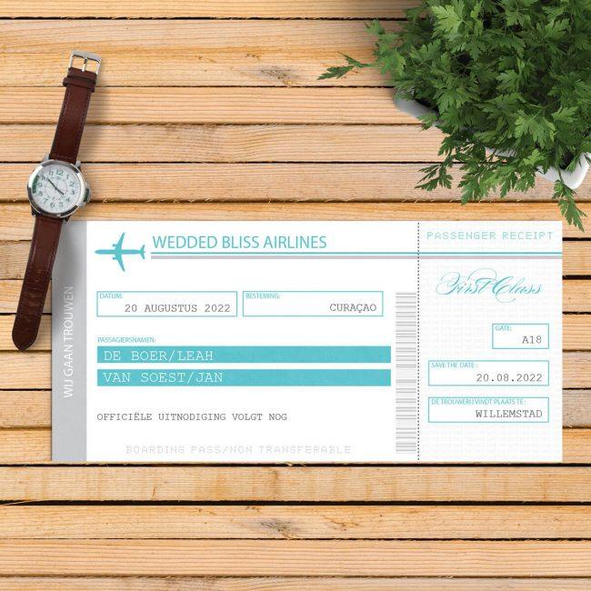 Save the date kaart Vliegtuigticket is een modern en vrij strak ontwerp. Als concept is genomen het vliegtuigticket, inclusief allerlei leuke details.