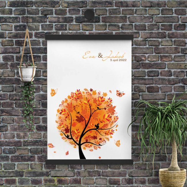 Poster Herfst is een eenvoudig ontwerp met een prachtige boom in herfsttinten en daarboven de namen en de trouwdatum.