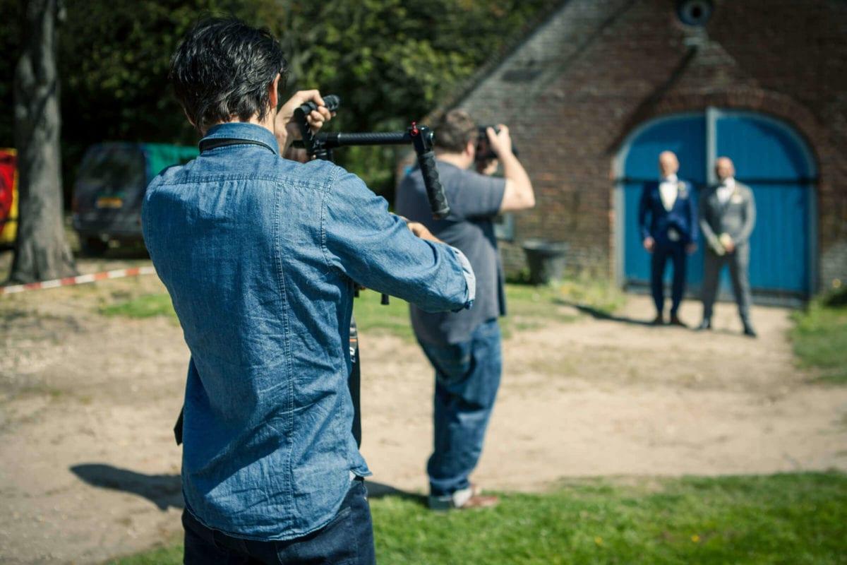 Videograaf aan het werk. Kasteel Ophemert,