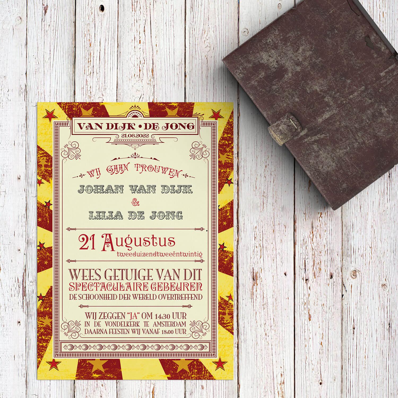 De inspiratie van trouwkaart Circus Ticket komt van ouderwetse circus kaartjes, felle kleuren, gekke lettertypes en speelse typografie.