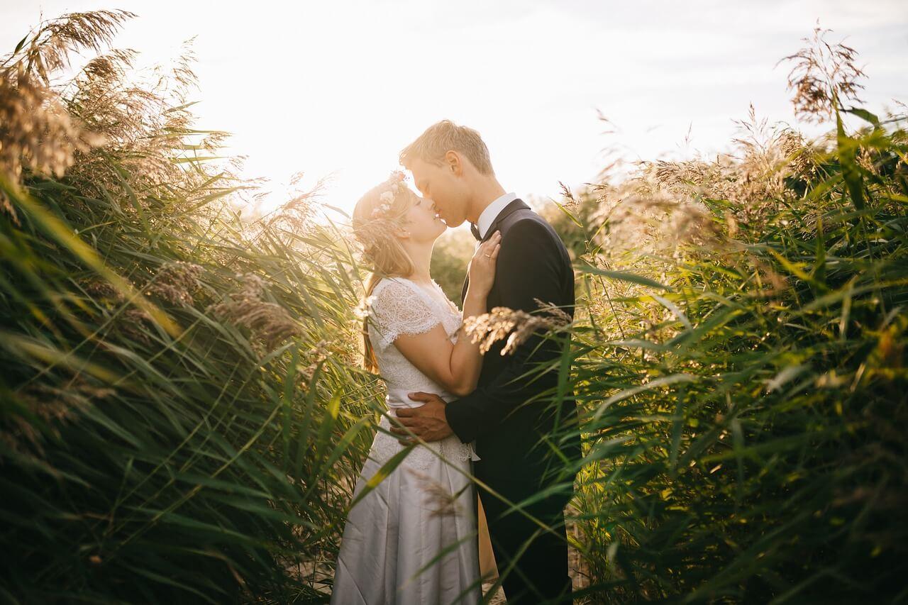 Duurzaam trouwen in de natuur - duurzame trouwkaarten