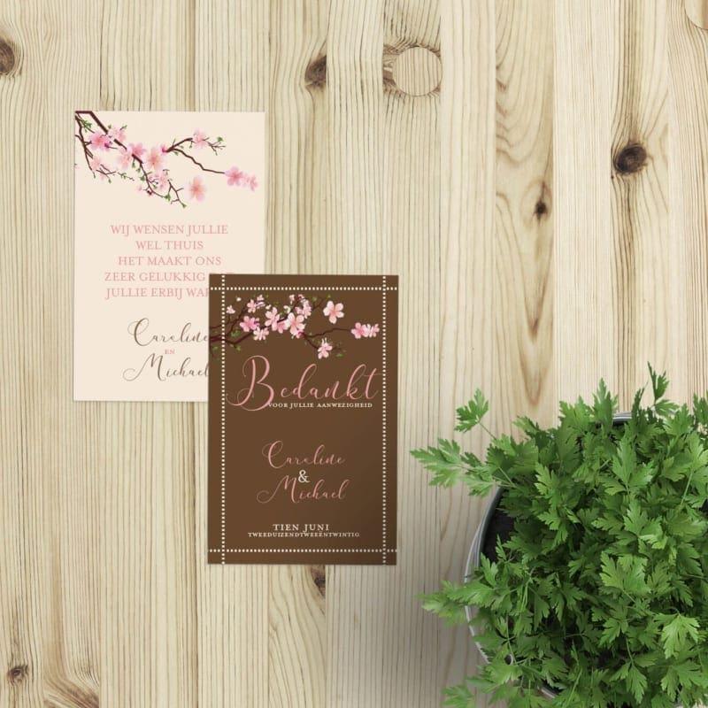 Bedankje Kersenbloesem gebruikt prachtige roze bloemen om het kaartje op te fleuren. Gebruik bij een bedankje op de bruiloft.