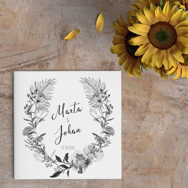 Trouwkaart Zwart Wit Krans | De mooie illustraties en lettertypes creëren een rustig en fijn beeld. De planten en bloemen zitten vol details.